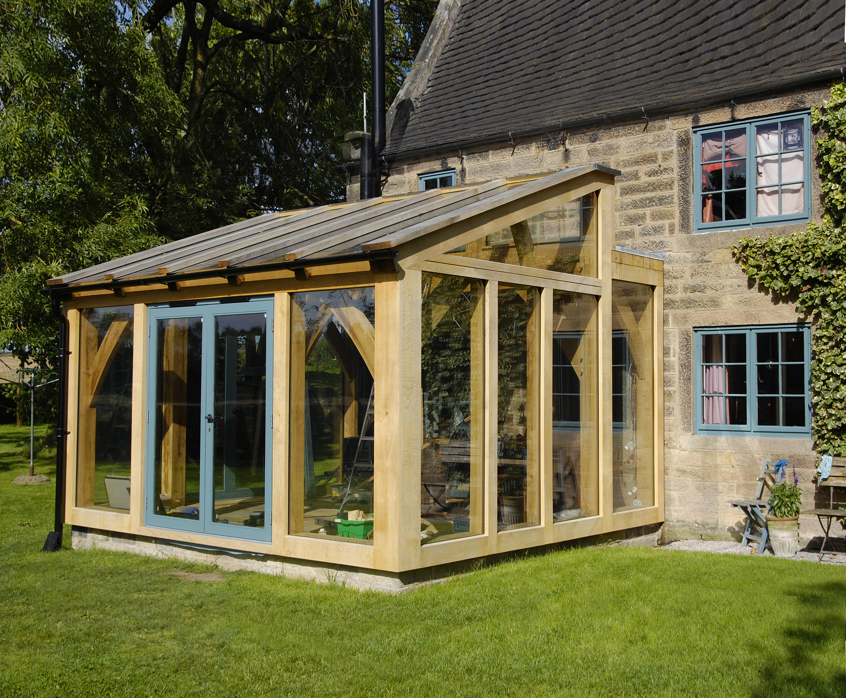 Oak timber framed conservatory hector and cedric for Timber garden rooms