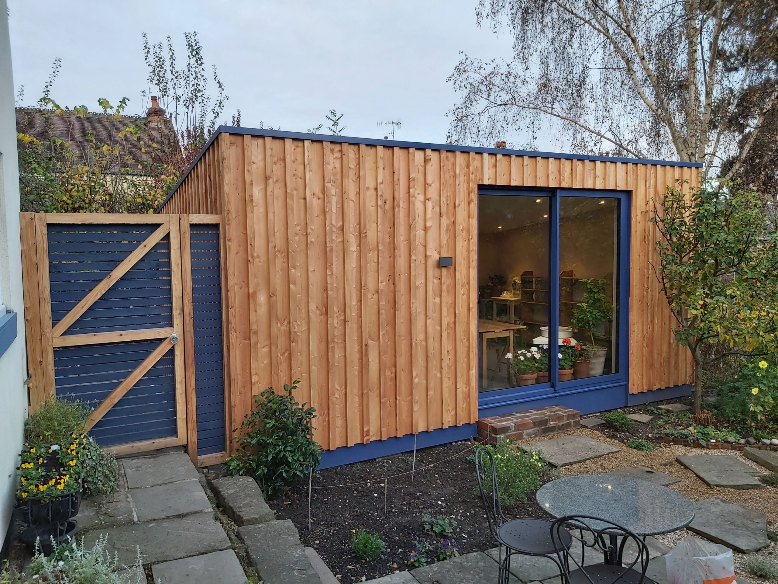 Garden Studio Clad in Larch